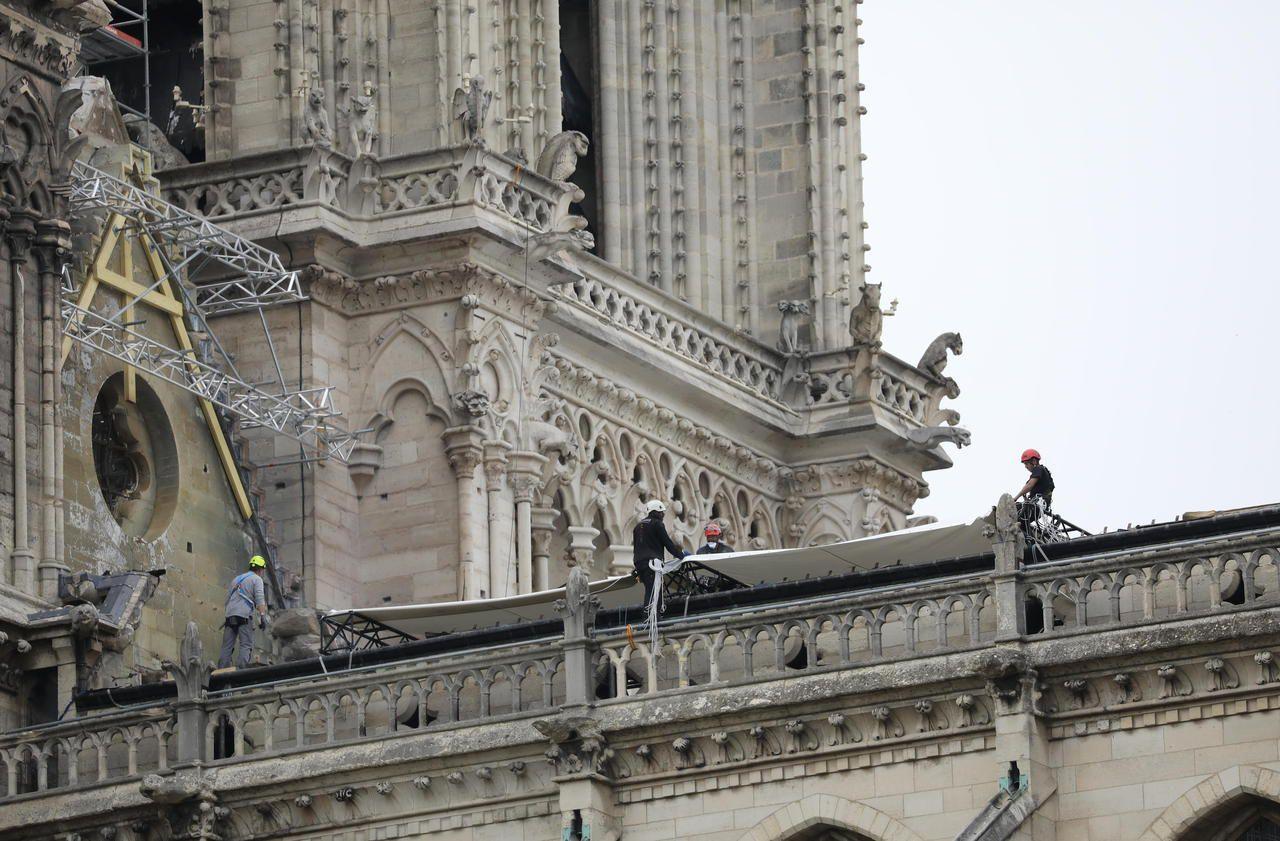 Notre-Dame : des ouvriers ont fumé malgré l'interdiction