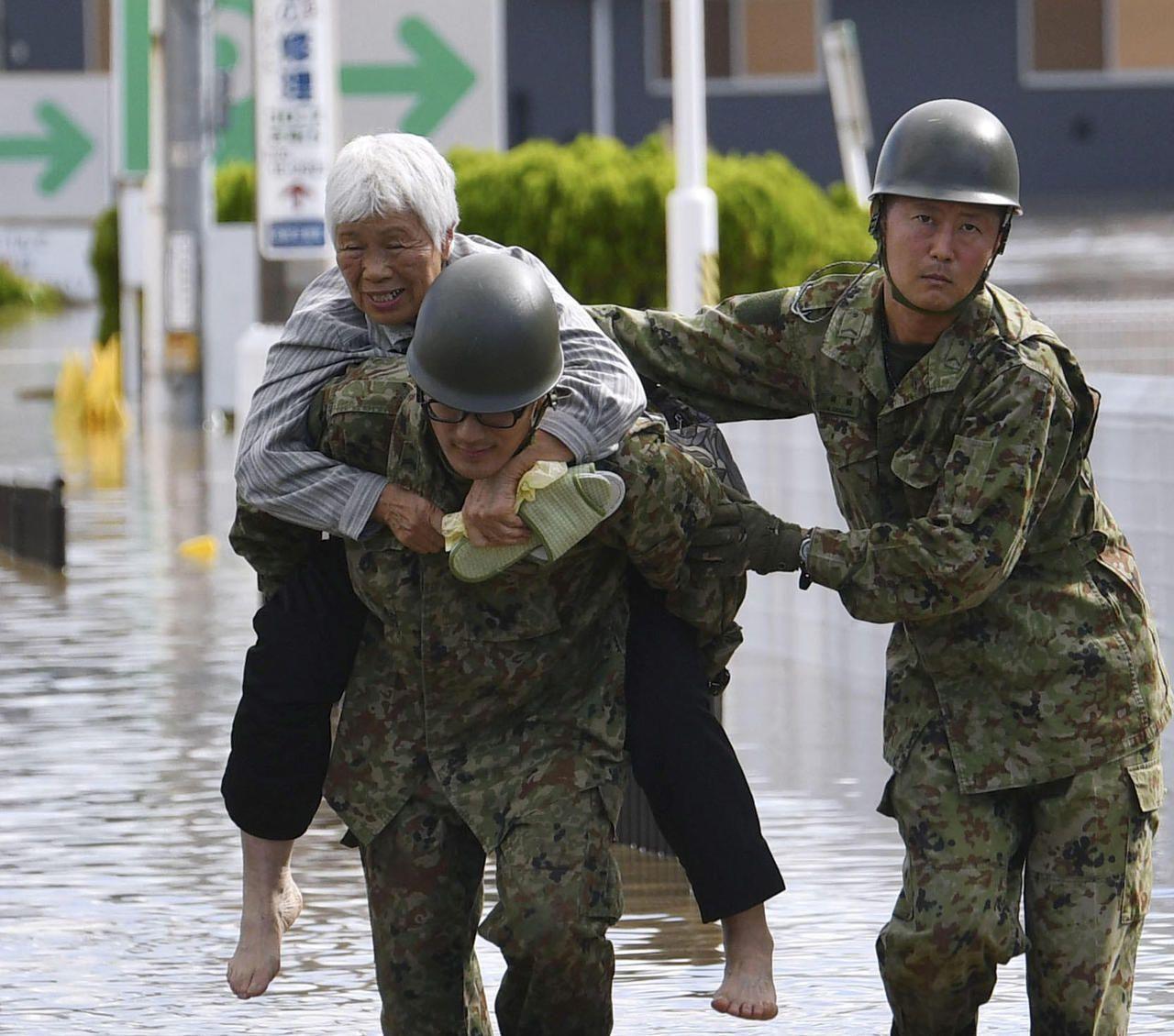 Le typhon Hagibis fait au moins 35 morts et sème la désolation au Japon