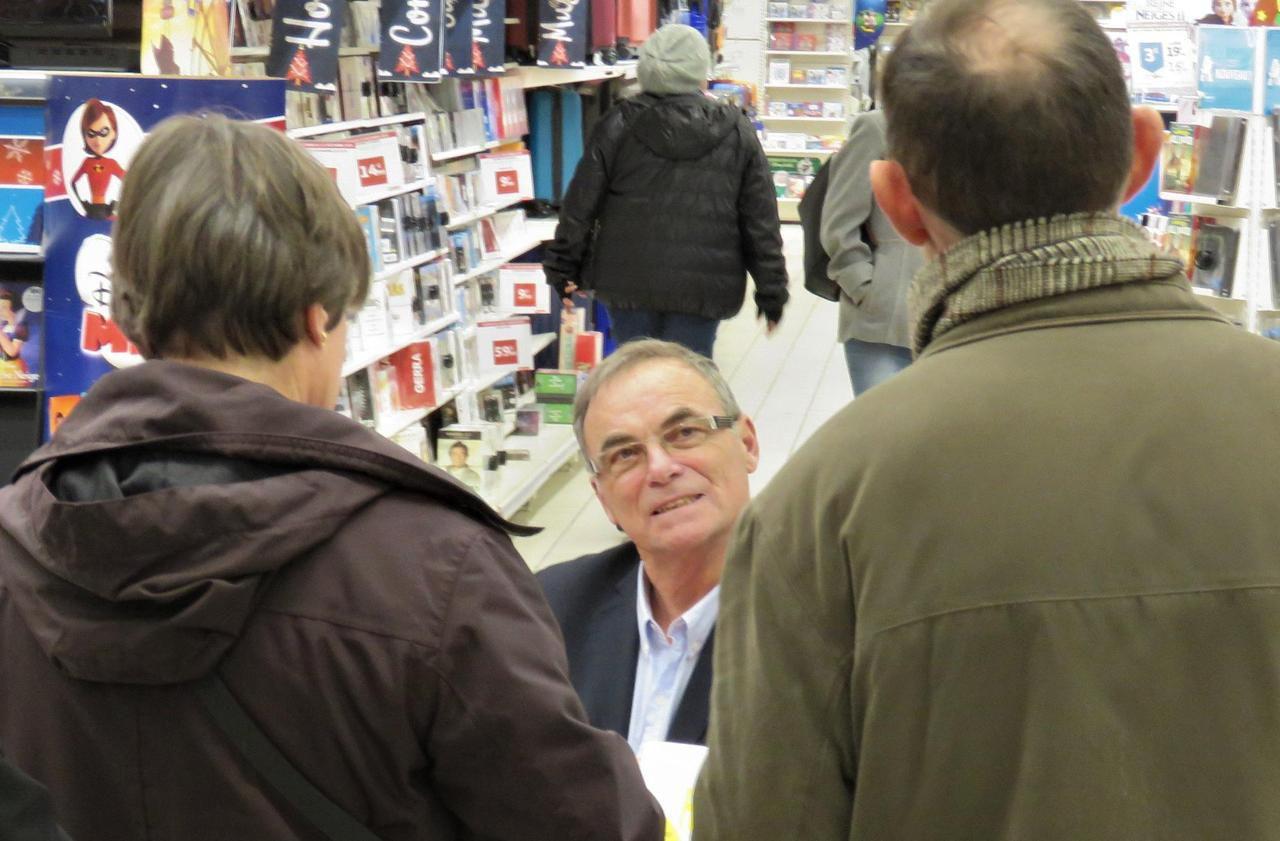 A Villebon-sur-Yvette, Bernard Hinault rencontre des fans de tous âges