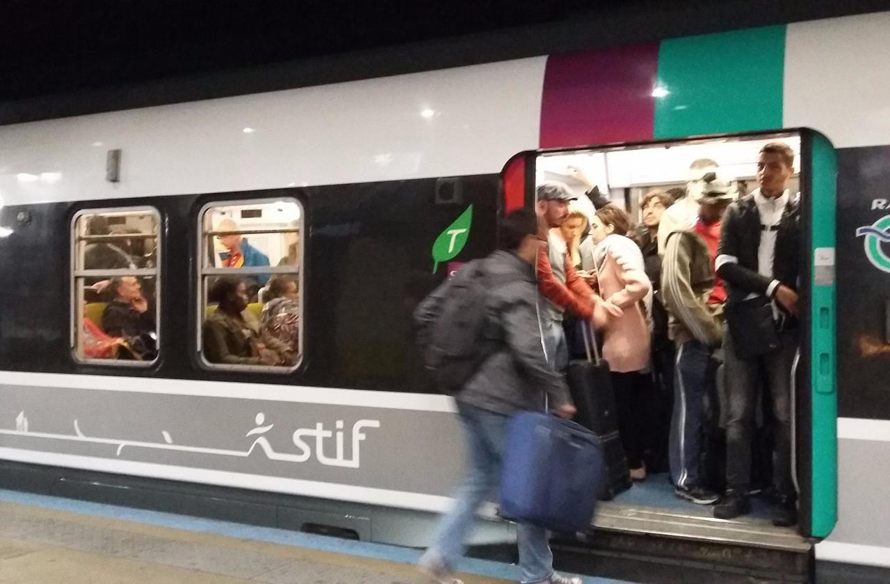 Treize signaux d'alarme tirés en deux matinées sur le RER B