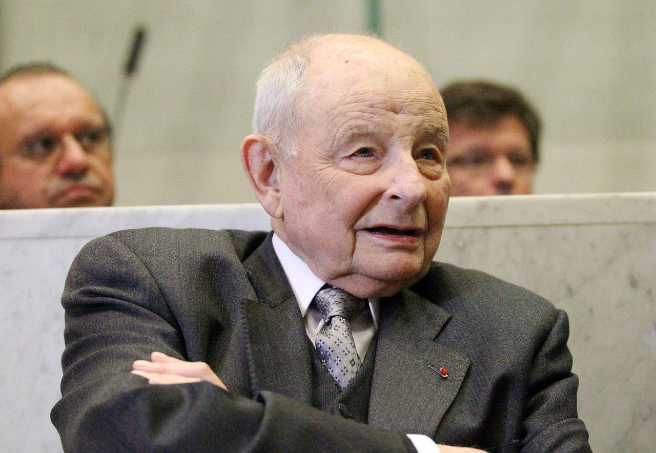 Suresnes : la médaille d'honneur de Jacques Servier divise encore les élus - Le Parisien