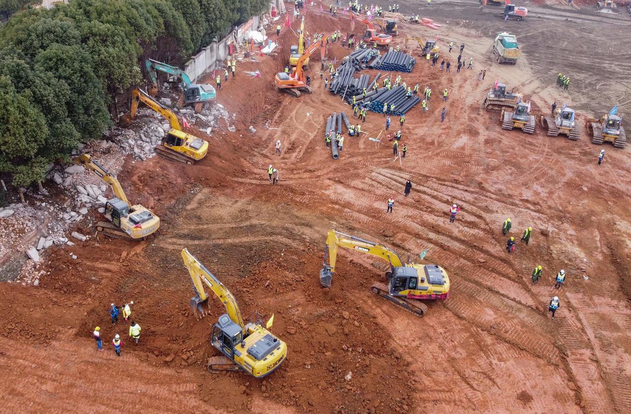 Coronavirus : la Chine construit un hôpital géant en dix jours, le chantier en dix photos