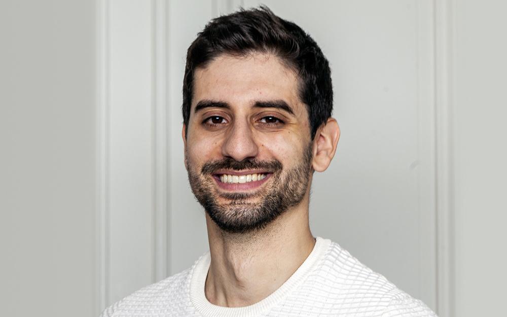 En 2014, Victor Wacrenier et Antoine Popineau lancent AppScho, une solution mobile pour l'enseignement supérieur qui centralise tous les ser