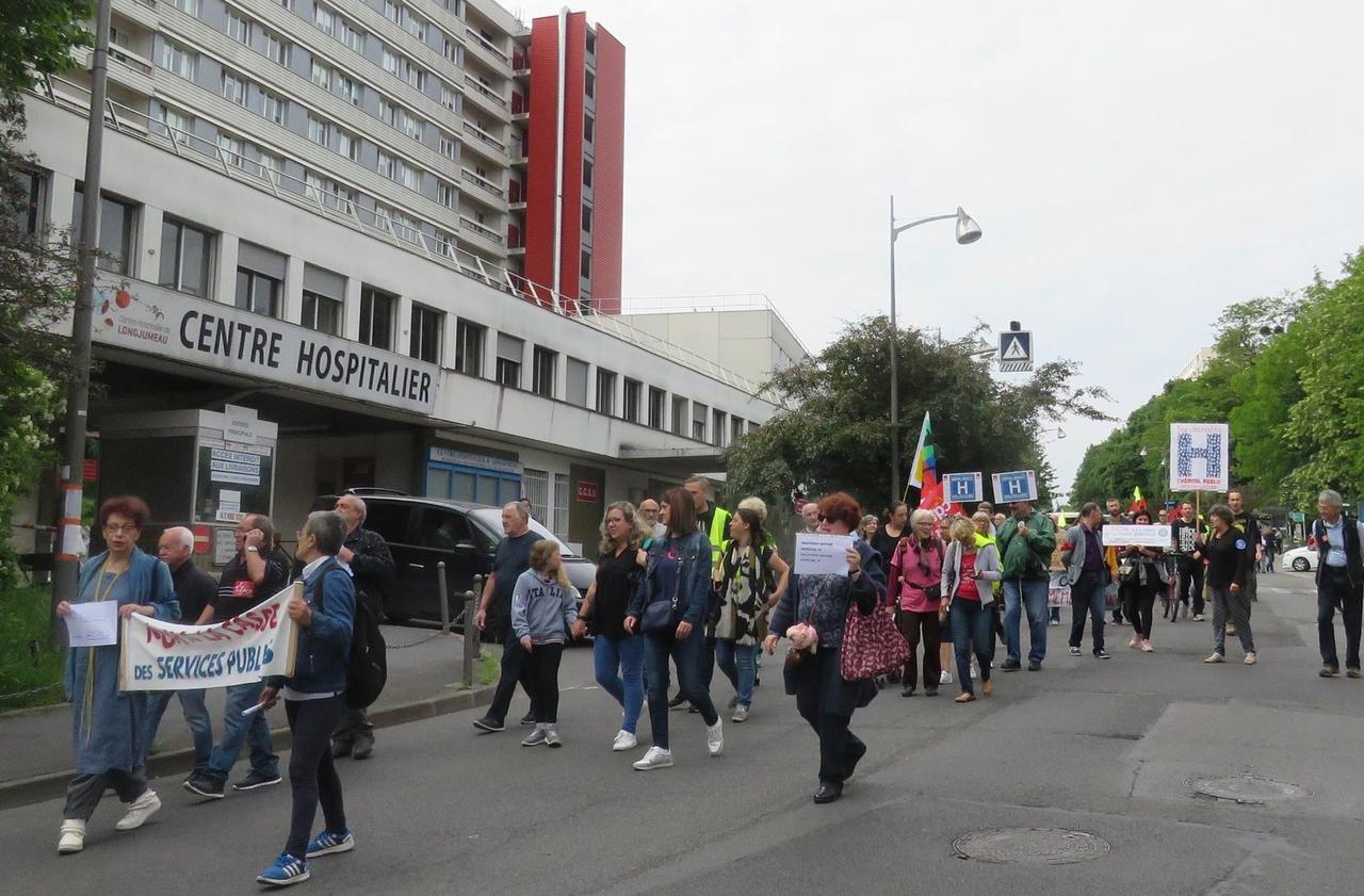 La fermeture programmée de l'hôpital de Longjumeau continue de faire débat