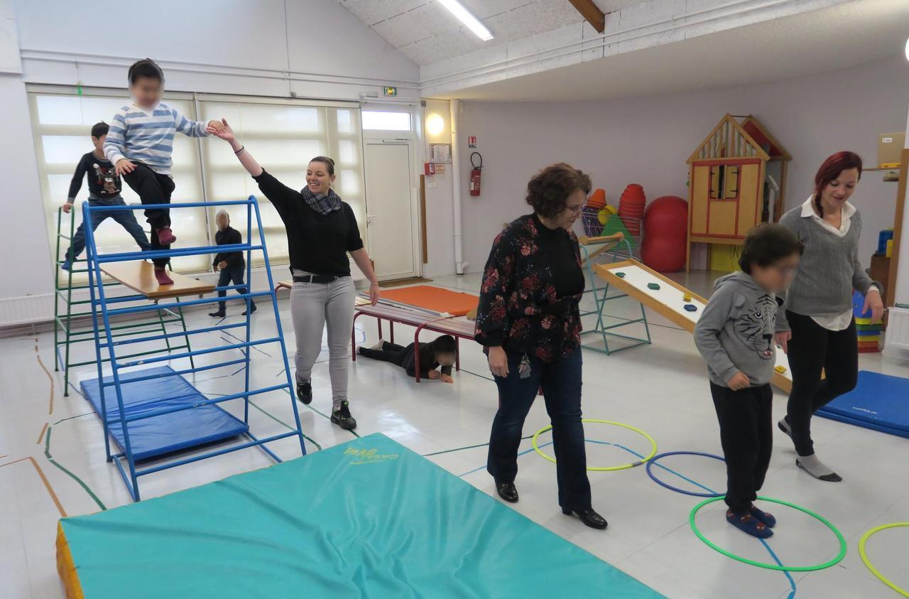 Val-d'Oise : à l'école des Groues de Vauréal, les enfants autistes ont leur propre classe