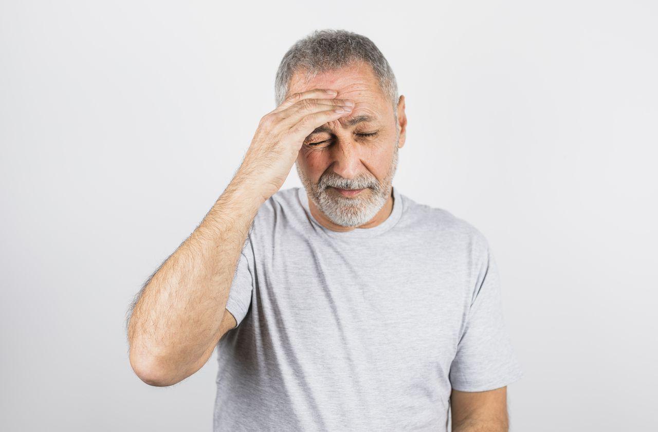 Le stress favorise bien la poussée de cheveux blancs, confirme une étude