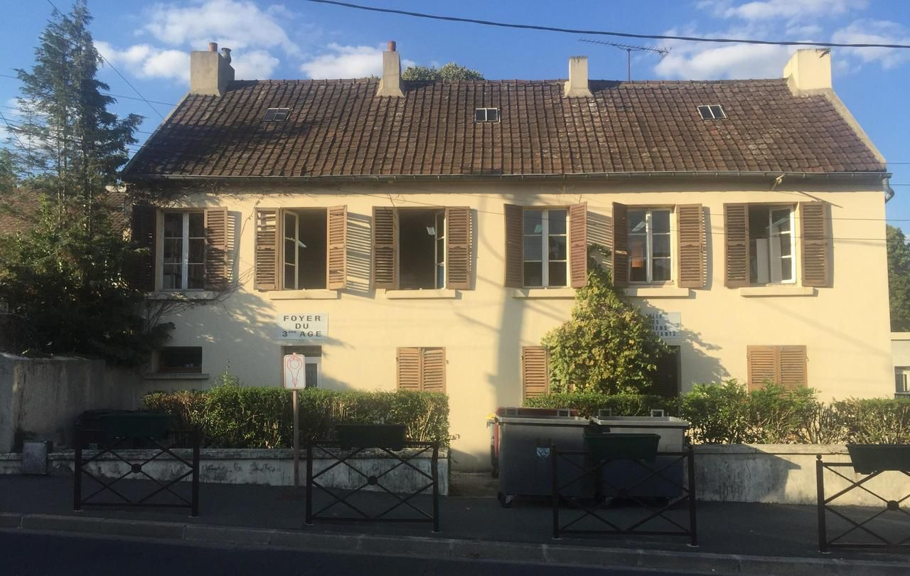 Coubron s'offre une médiathèque et un centre de loisirs - Le Parisien