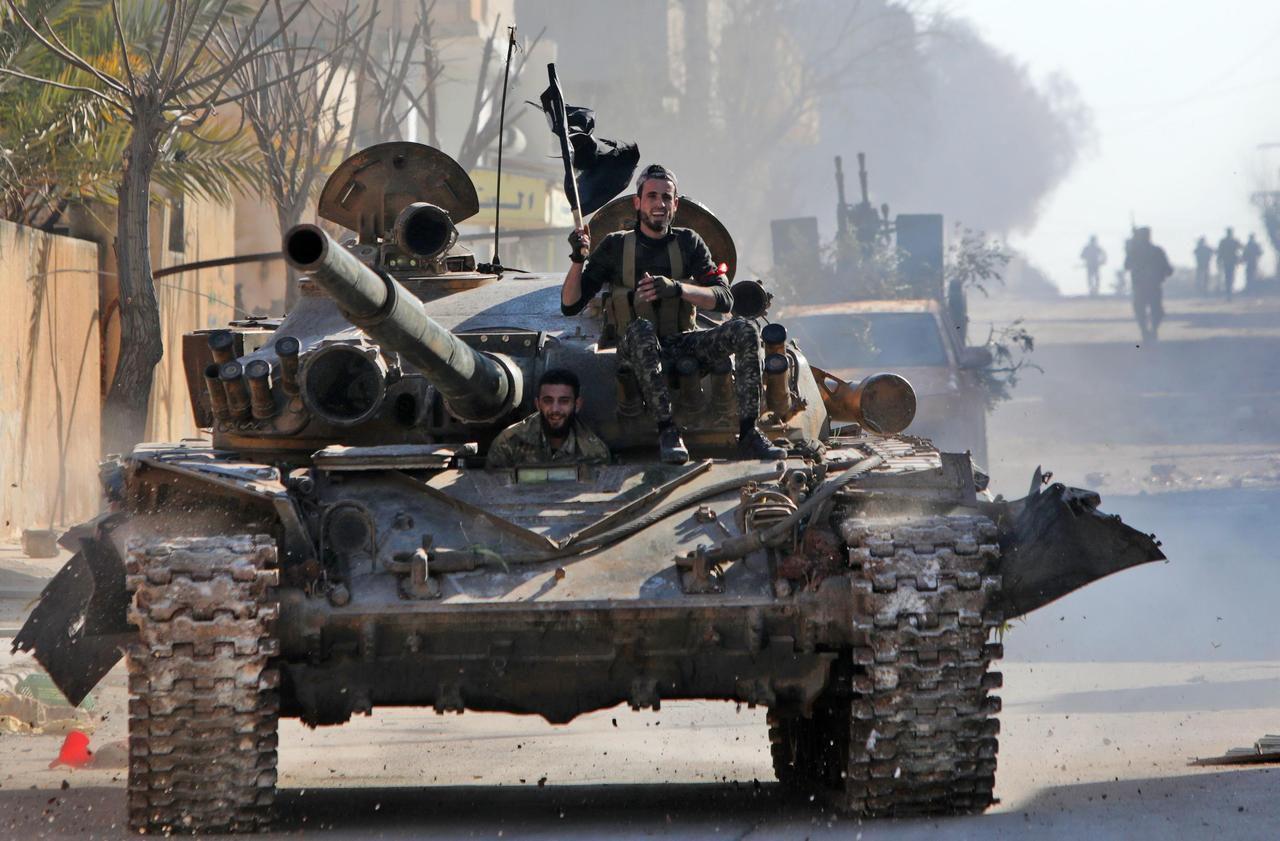 Pic de tensions en Syrie : la Turquie bombarde des positions d'Assad après la mort de 29 soldats