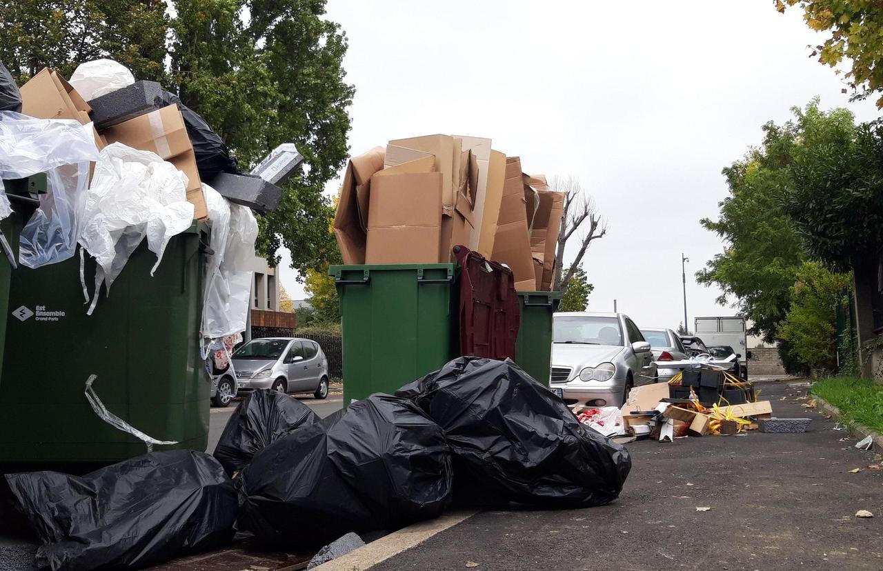 Bobigny : les dépôts sauvages d'ordures s'invitent pour les municipales - Le Parisien