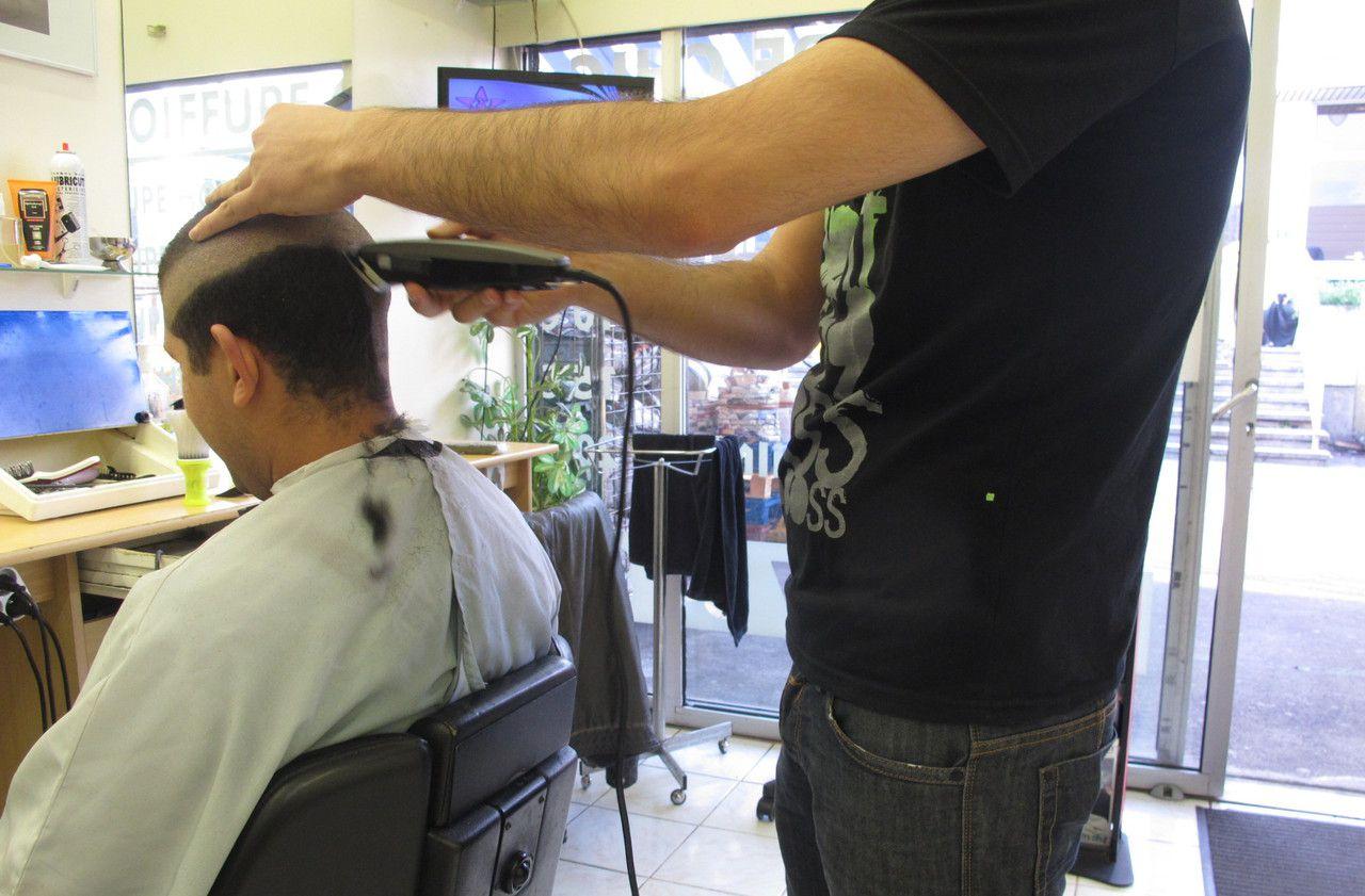Yvelines : mécontent de ses coupes, il terrorisait les coiffeurs