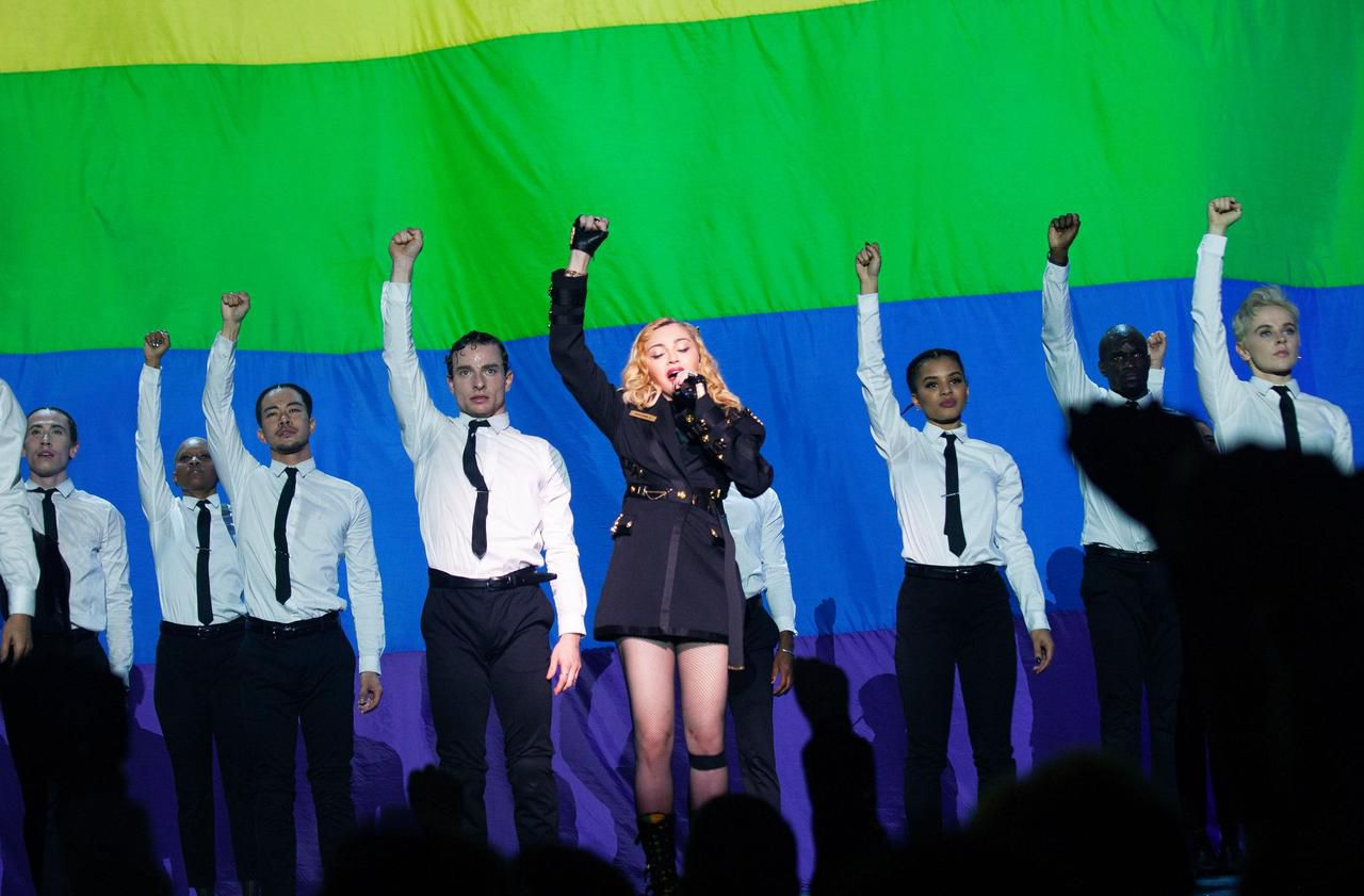 Madonna monte sur scène avec plus de 3 heures de retard au Grand Rex