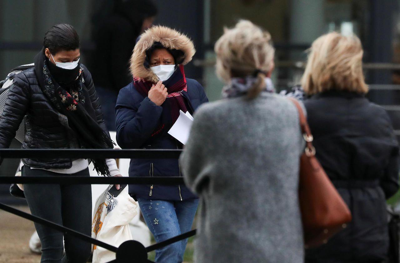 Coronavirus : pourquoi le nombre de cas a doublé en une journée en France
