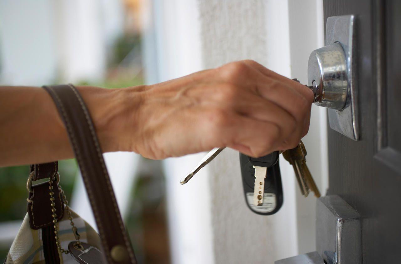 Immobilier : une porte blindée est-elle obligatoire dans un logement ?