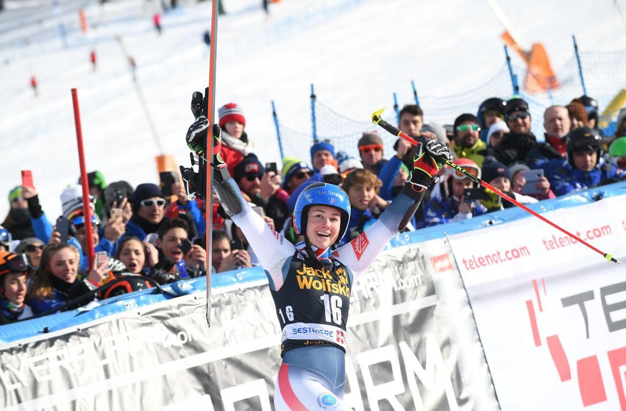 Ski alpin : Clara Direz rafle sa première victoire en Coupe du monde