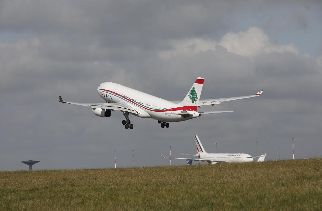 Grève des fonctionnaires : 30 % des vols annulés mardi
