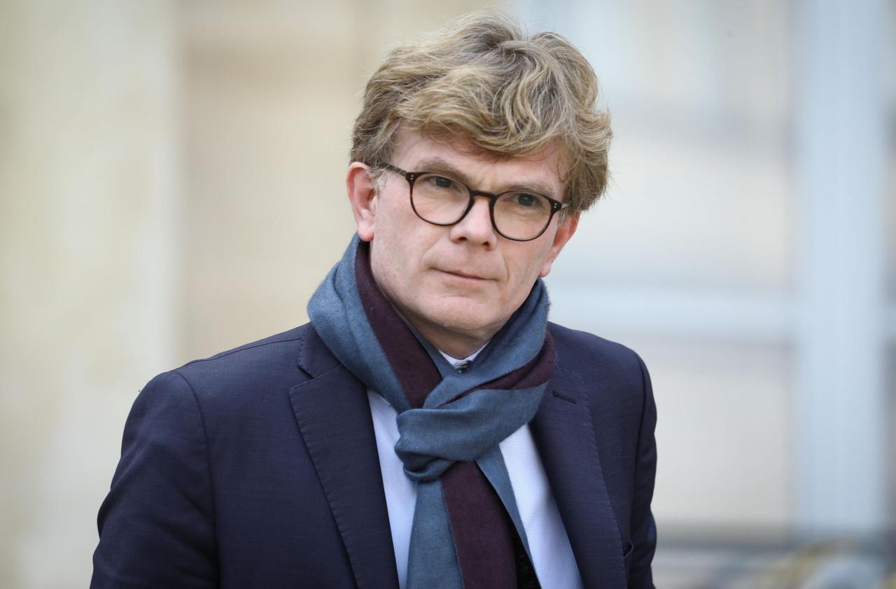 Permanences dégradées : «On jette en pâture des élus», regrette Marc Fesneau
