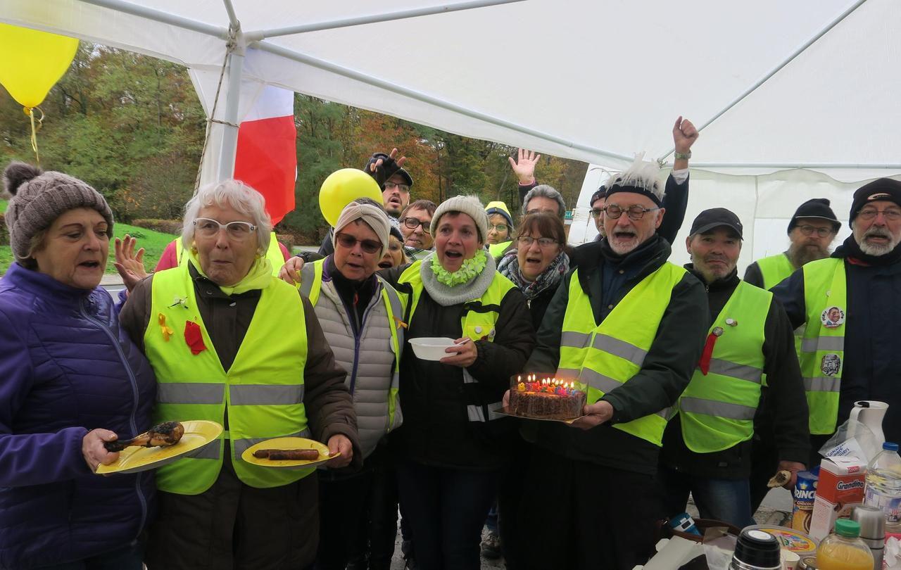 Seine-et-Marne : à Fontainebleau, les Gilets jaunes préparent la « convergence des luttes » - Le Parisien