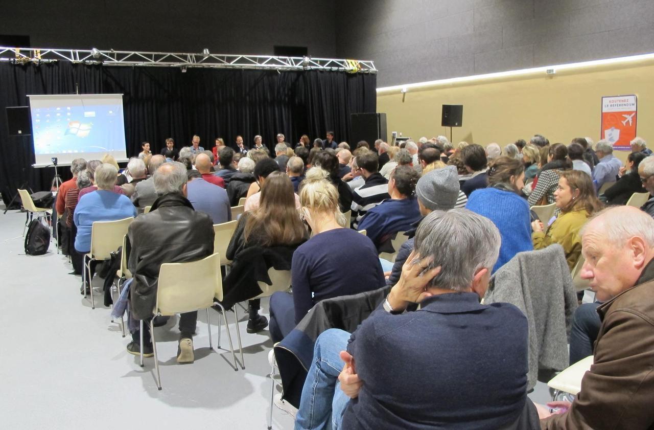 Réunie à Gennevilliers, la gauche du 92 fait bloc contre la privatisation d'ADP - Le Parisien