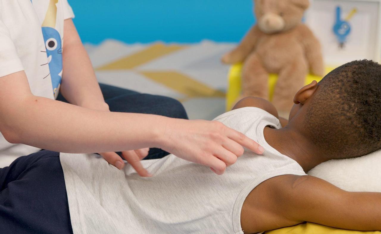 Paris : à l'hôpital, les massages sont un jeu d'enfant