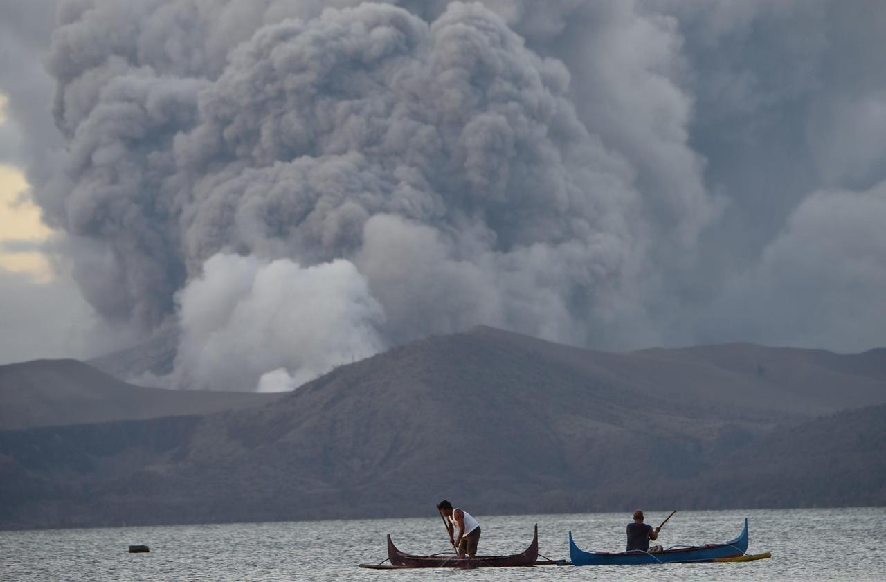 Éruption du volcan Taal aux Philippines : l'incertitude risque de durer pour les évacués