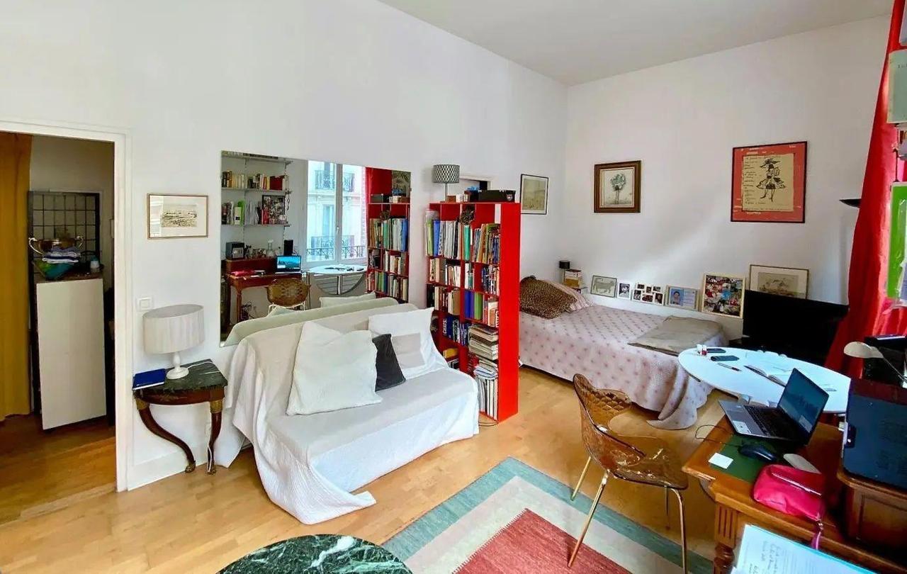 Paris : pourquoi un studio de 30 m2 est en vente à près d'un million d'euros