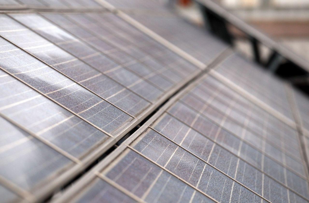 Nanterre des panneaux solaires pour les courts de tennis - Piscine leo lagrange grande synthe ...