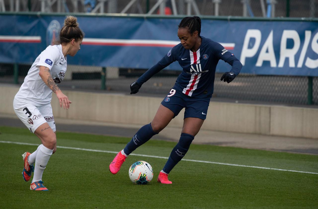 D 1 féminine : le PSG surclasse Metz (5-1) et rejoint l'OL en tête