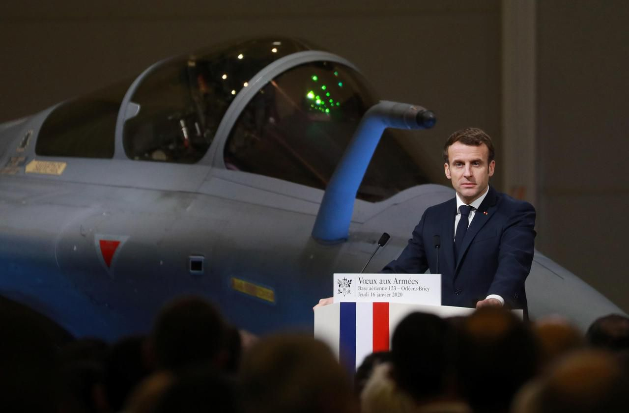 Emmanuel Macron annonce le déploiement du porte-avions Charles-de-Gaulle au Moyen-Orient