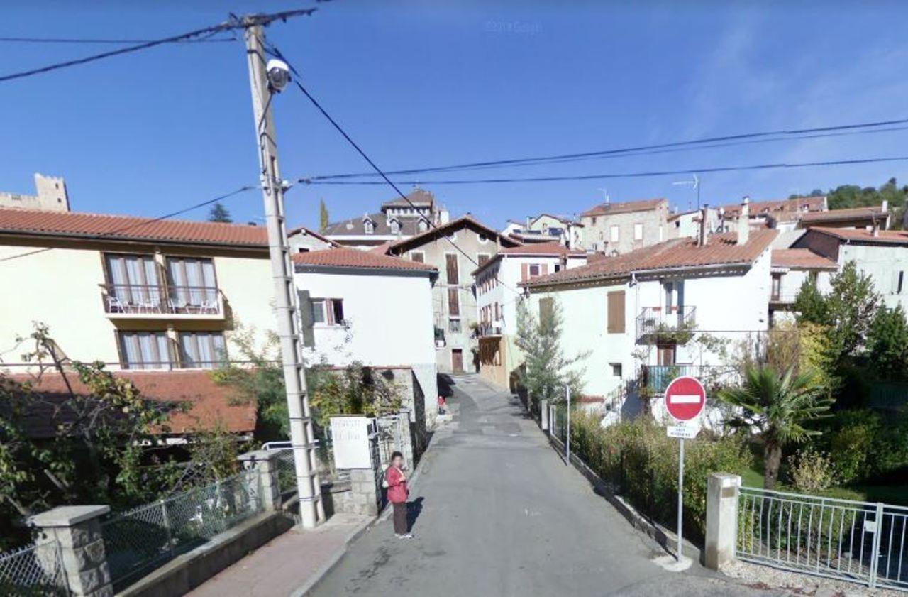 Pyrénées-Orientales : deux sœurs de 61 et 74 ans se battent à coups de couteau et d'arme à feu