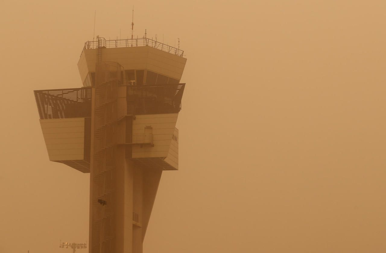 Canaries : les huit aéroports fermés à cause d'une tempête de sable