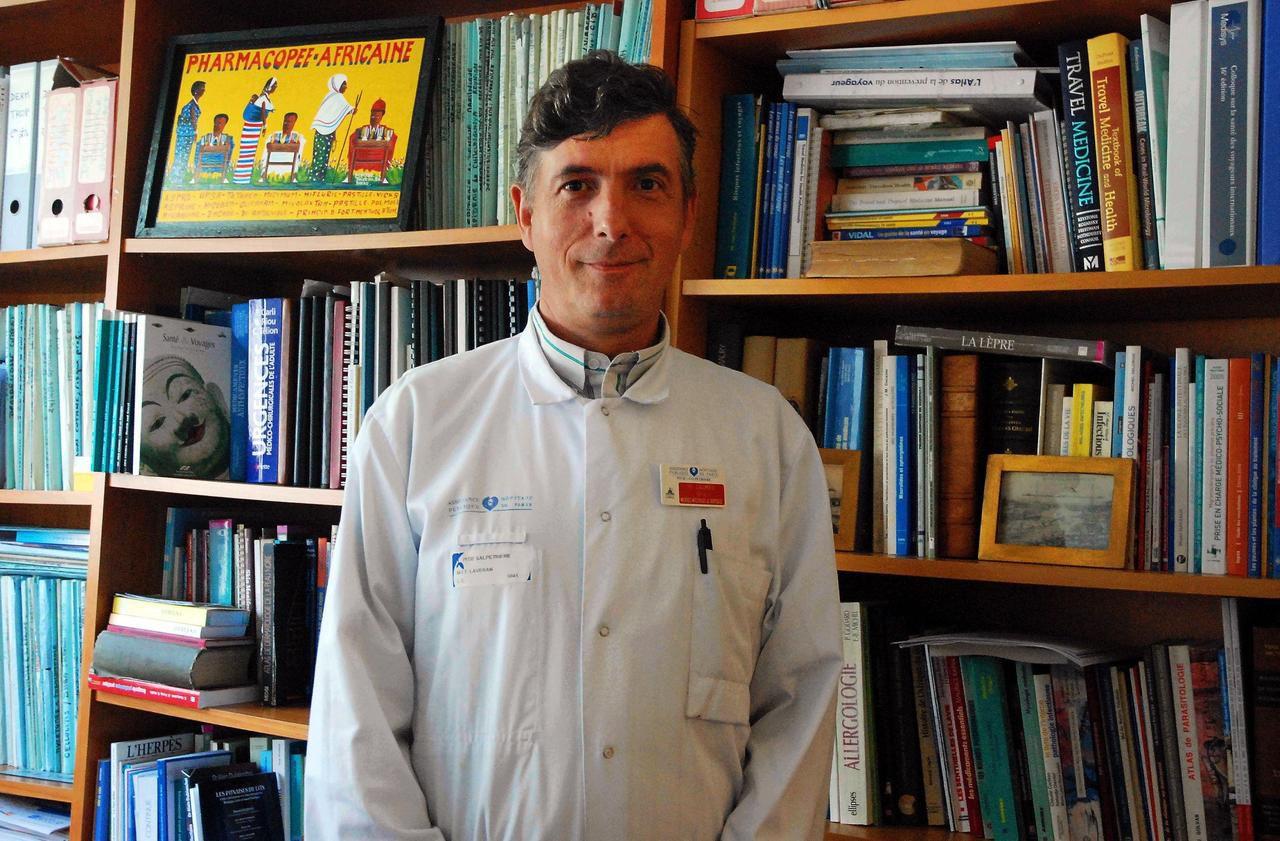 Coronavirus : «Il va falloir changer de stratégie», estime le médecin Eric Caumes
