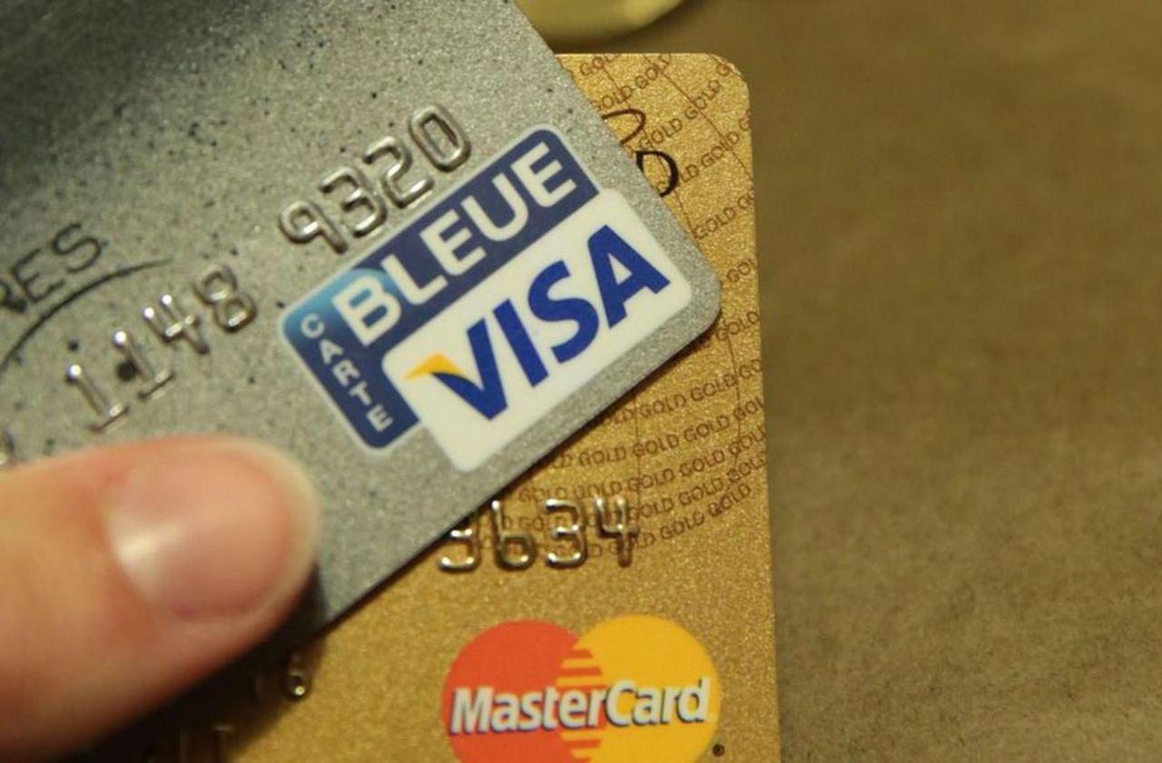 Que valent vraiment les cartes bancaires gratuites sans condition de revenu ?