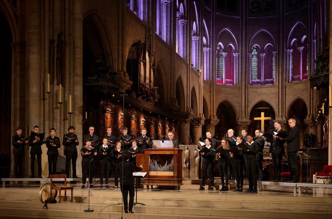 Paris : la maîtrise de Notre-Dame chante Noël hors les murs