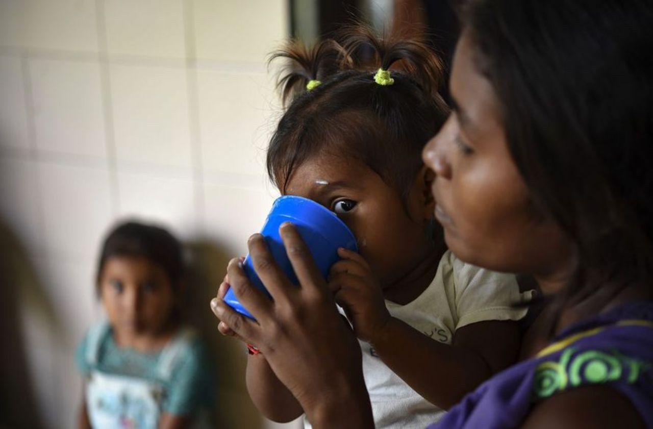 Un jeune enfant sur trois est mal nourri ou en surpoids, selon l'Unicef