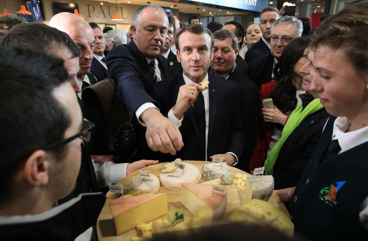 Au Salon de l'agriculture, Macron tente de la jouer comme Chirac