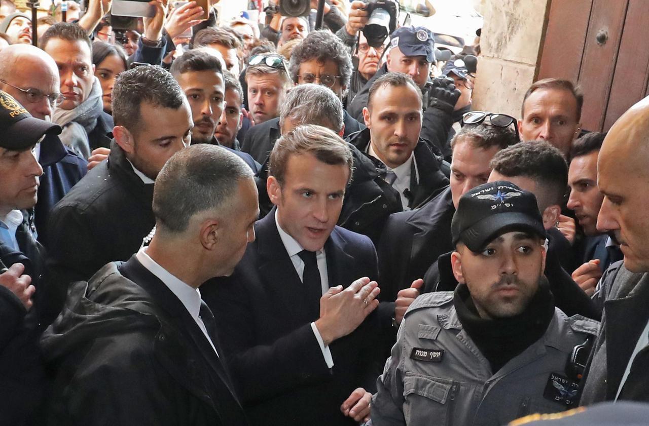 Israël : pourquoi Macron s'est mis en colère au même endroit que Chirac, 24 ans plus tôt