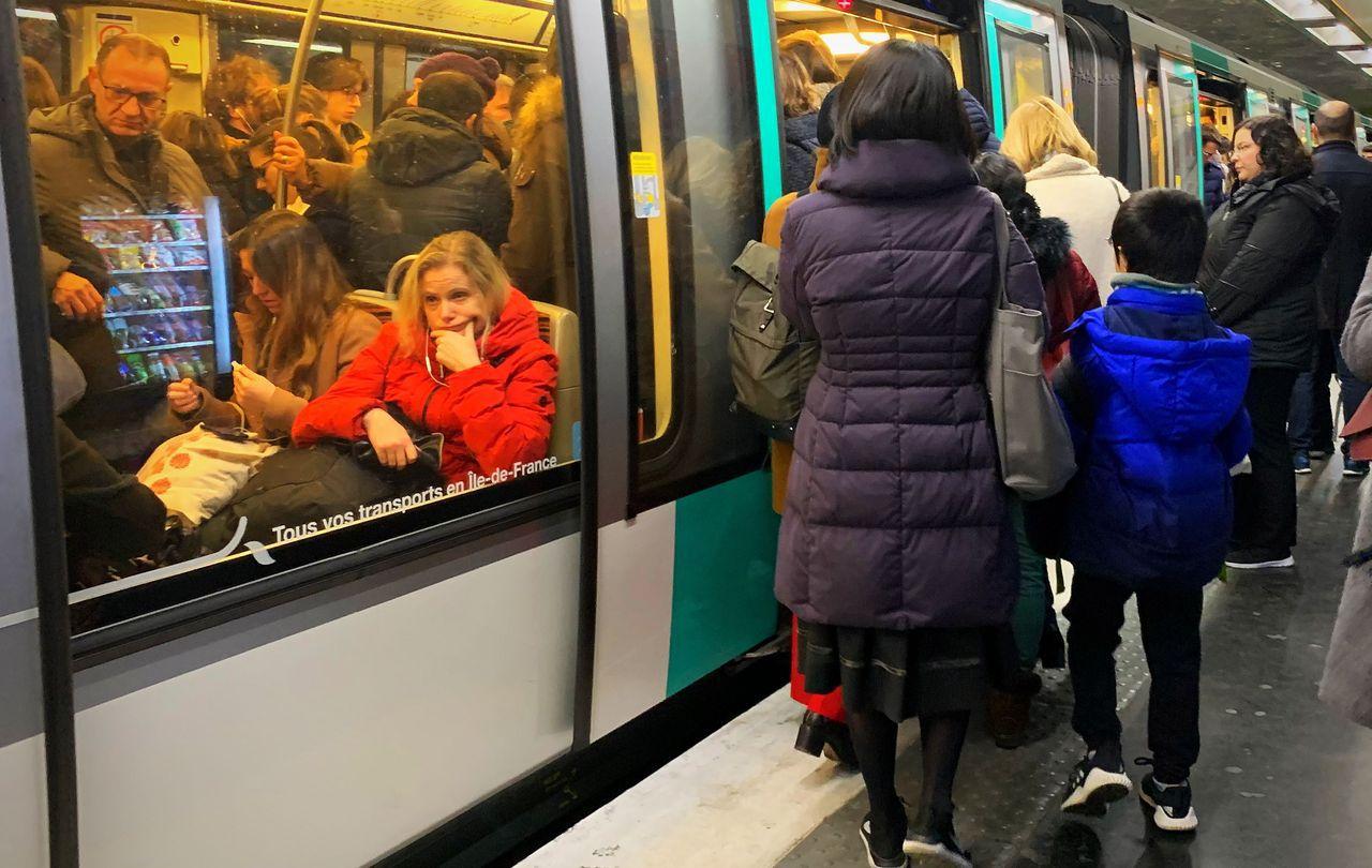 Passé à tabac dans le métro parisien parce qu'il parlait en hébreu