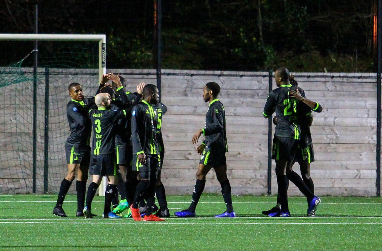 National 2 : Sainte-Geneviève fait chuter le leader, soir de première pour le FC Mantois