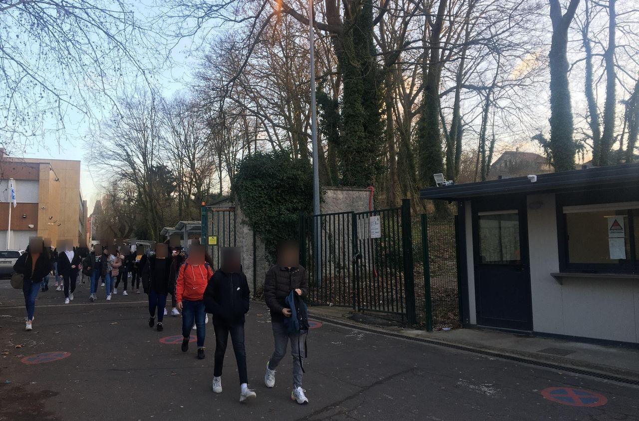 Elève enfermé seul dans 3 m2 : l'institut catholique en Essonne annule sa punition «choc»