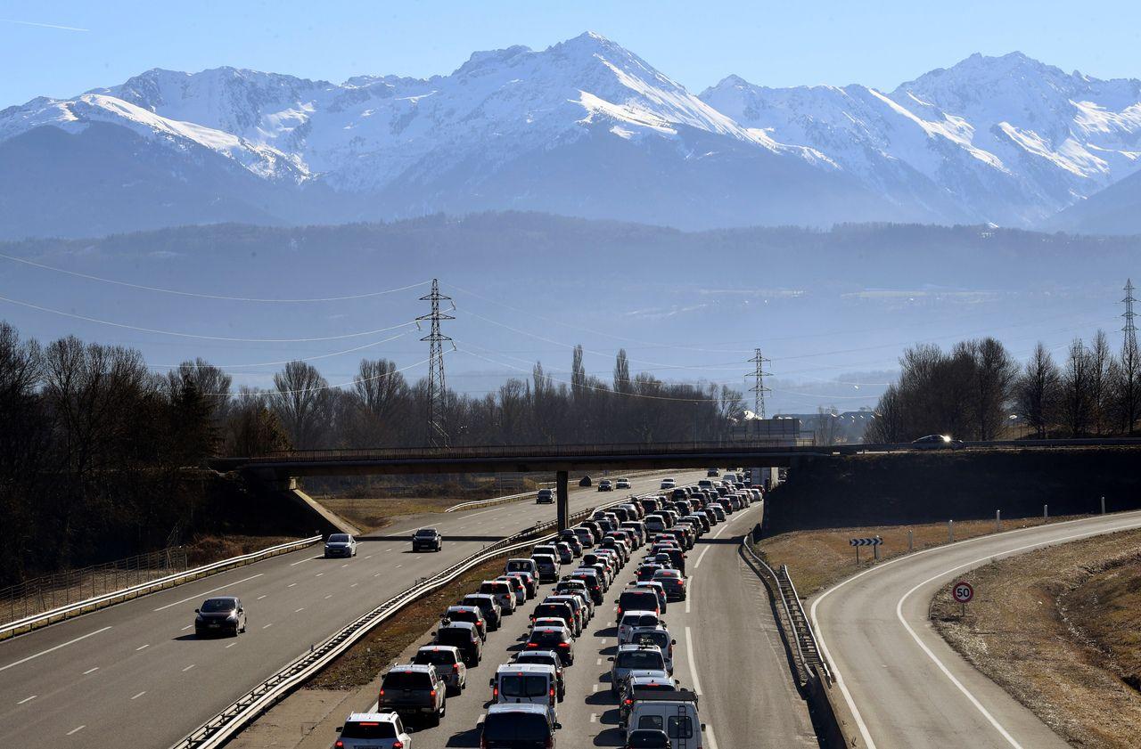 Route des vacances : les Alpes virent au rouge ce samedi