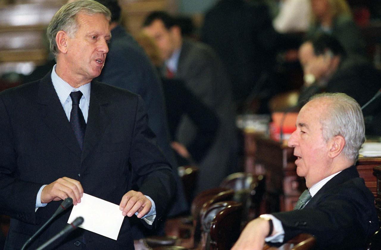 Démission en cas de mise en examen : une jurisprudence politique devenue trop rigide ? - Le Parisien