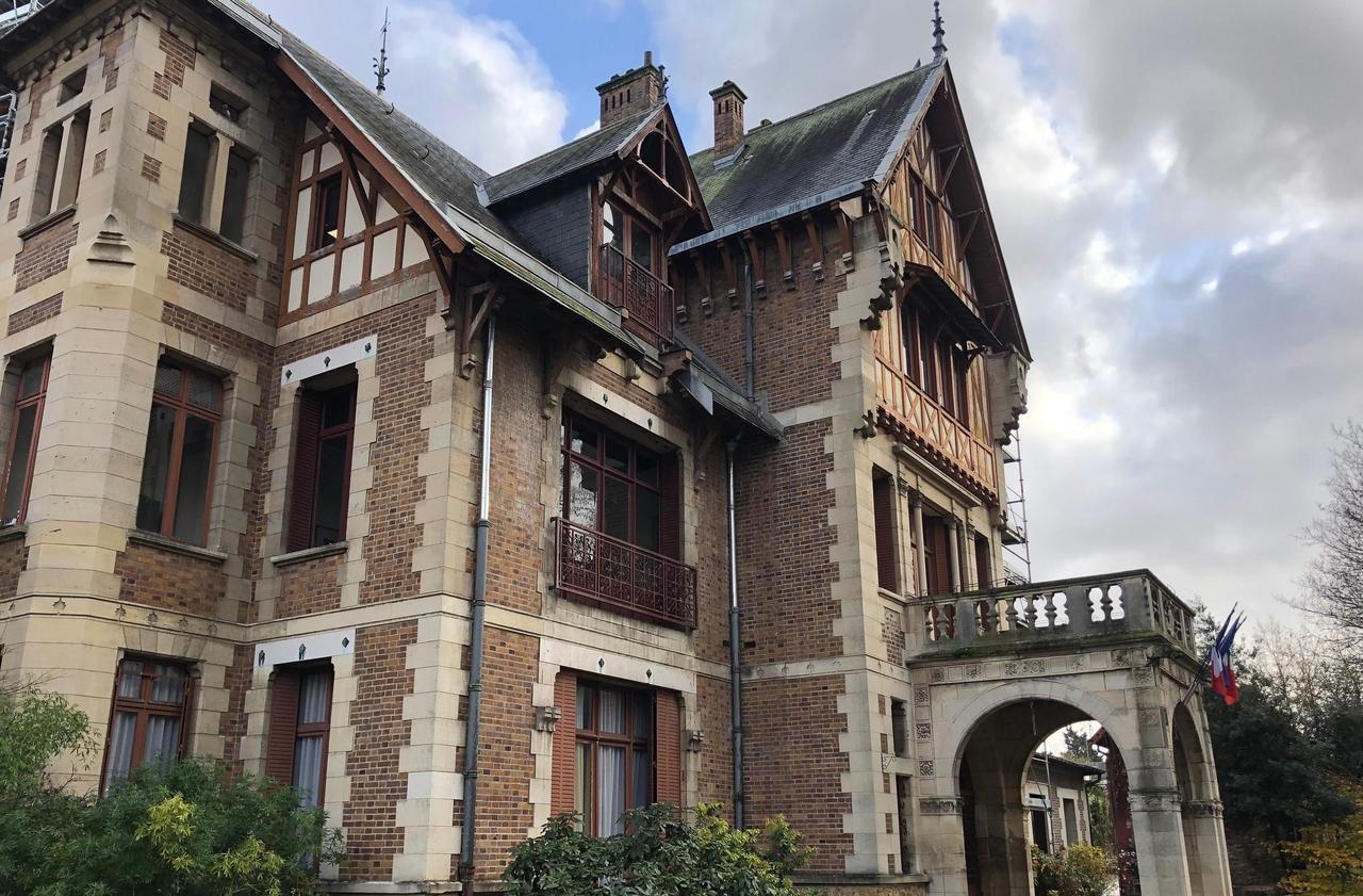 Sarcelles : polémique, insultes et débrayage à la mairie... à cause d'une prime