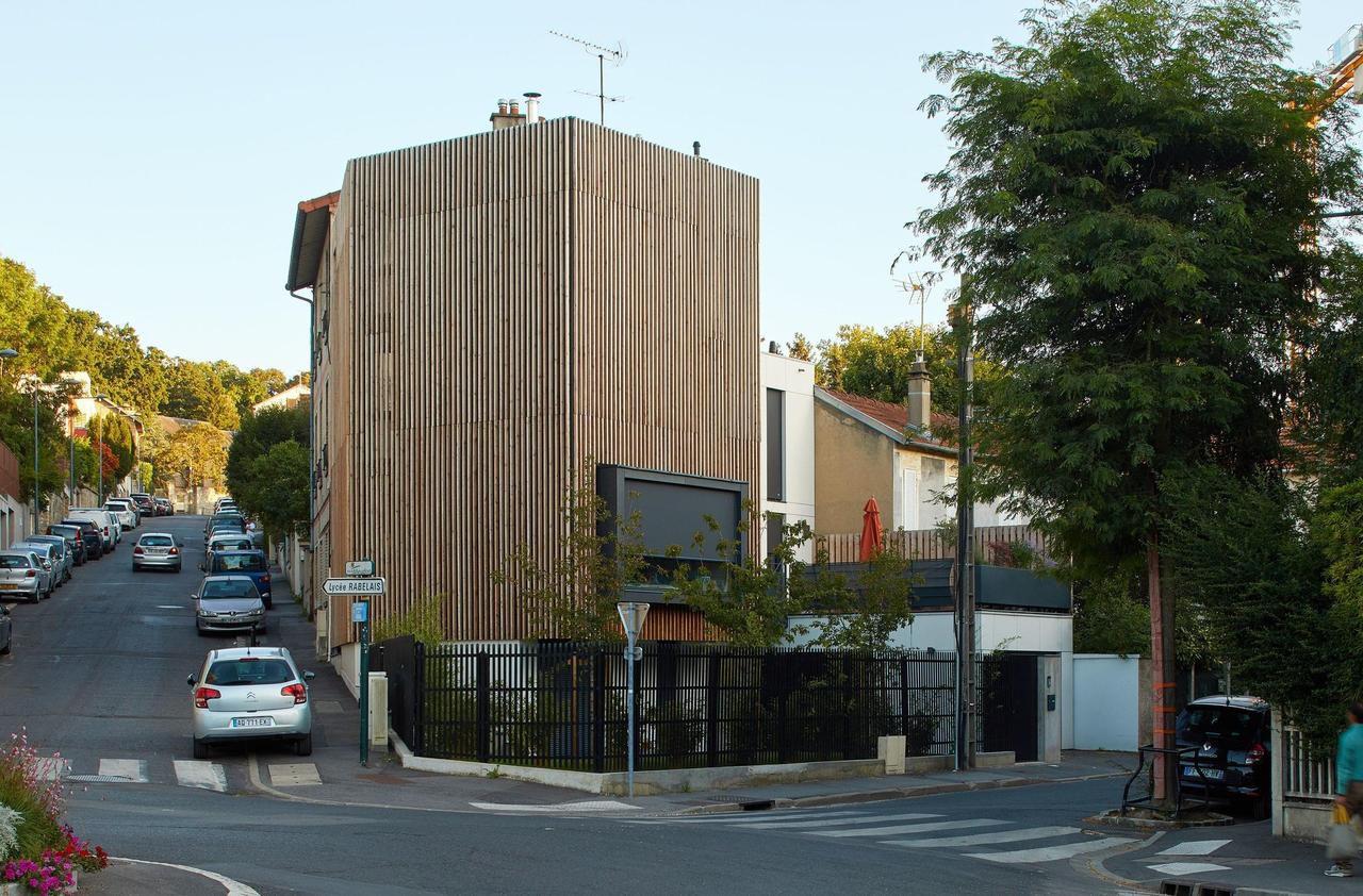 Bien atypique : à Meudon, autour du rond-point, une drôle de maison d'angle
