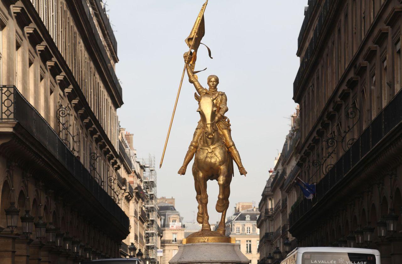 Paris : non, le drapeau de Jeanne d'Arc n'a pas été vandalisé