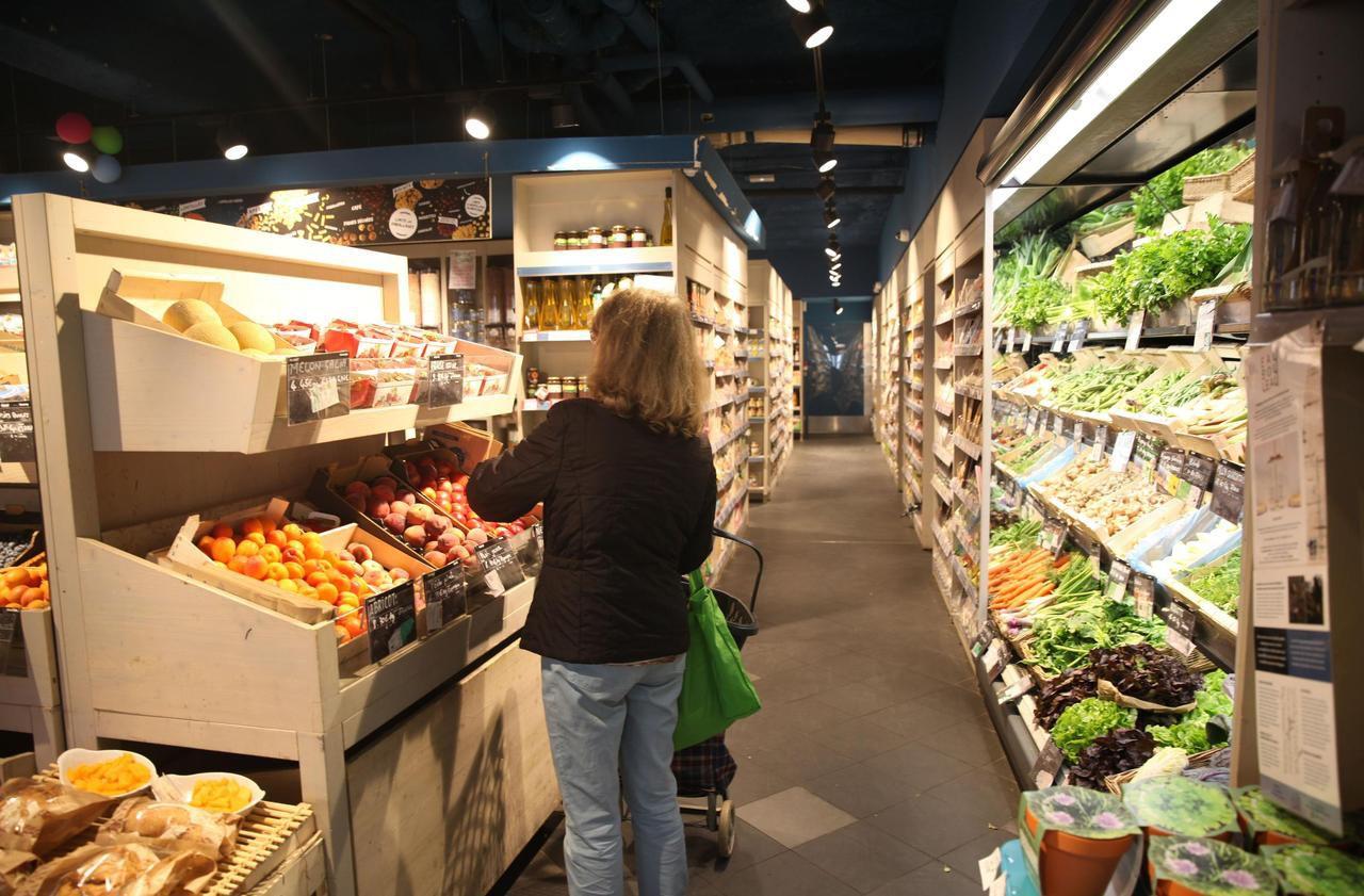 Le ministère de la Santé invite les Français à modifier plus en profondeur leurs habitudes alimentaires. Une campagne est lancée ce mardi.