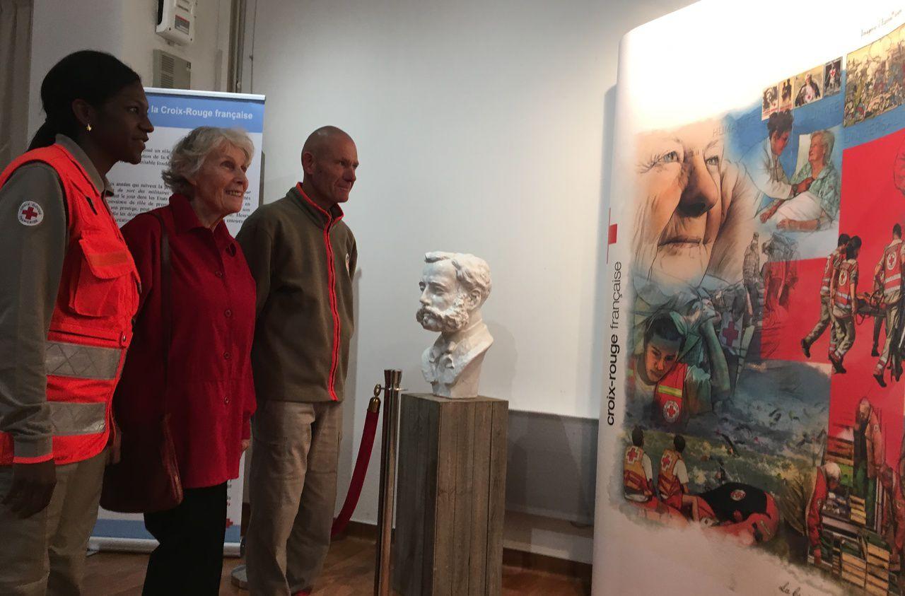Alfortville : visite exceptionnelle des descendants des fondateurs de la Croix-Rouge - Le Parisien