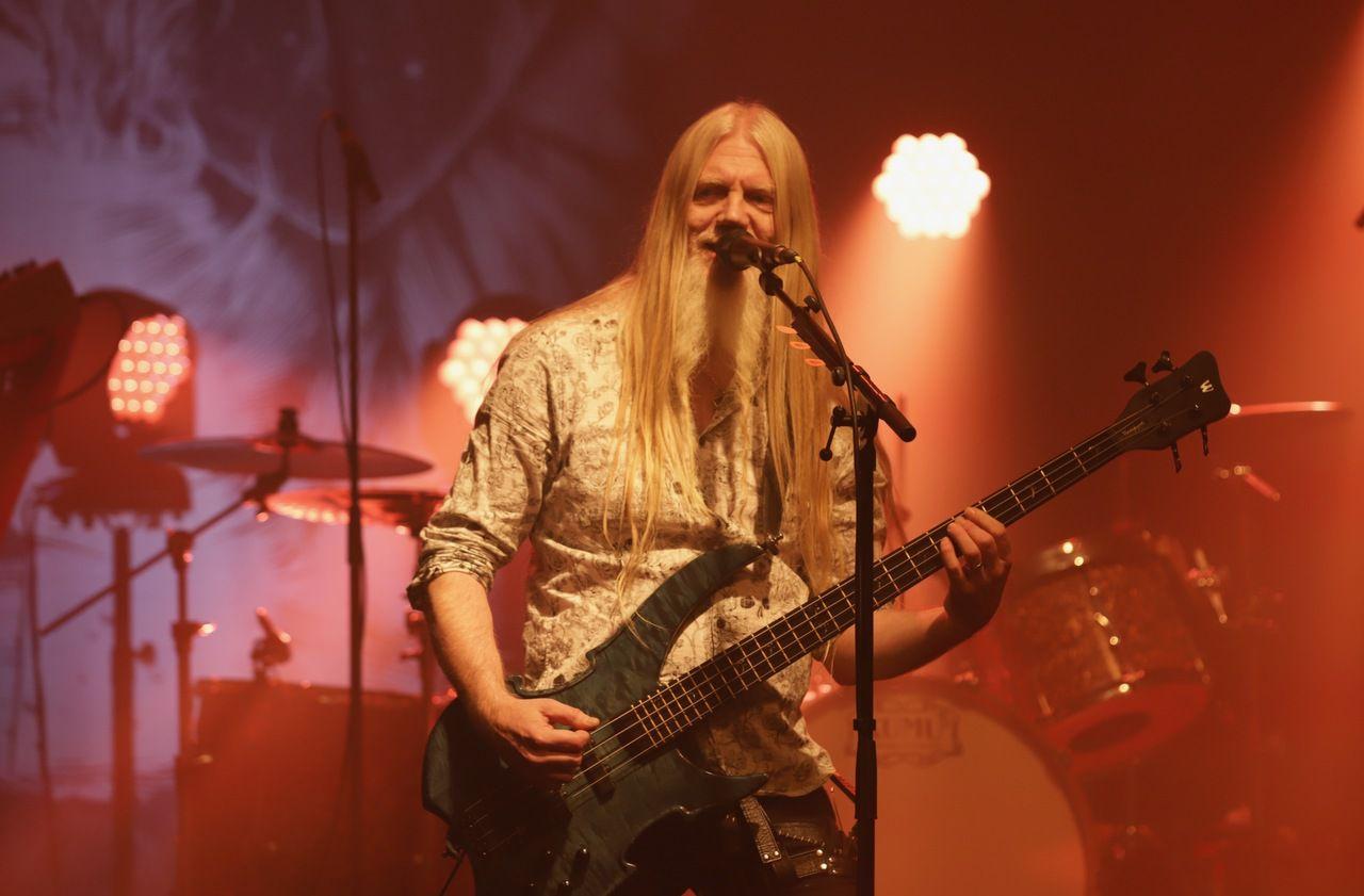 Marko Hietala, de Nightwish, donne un concert en petit comité