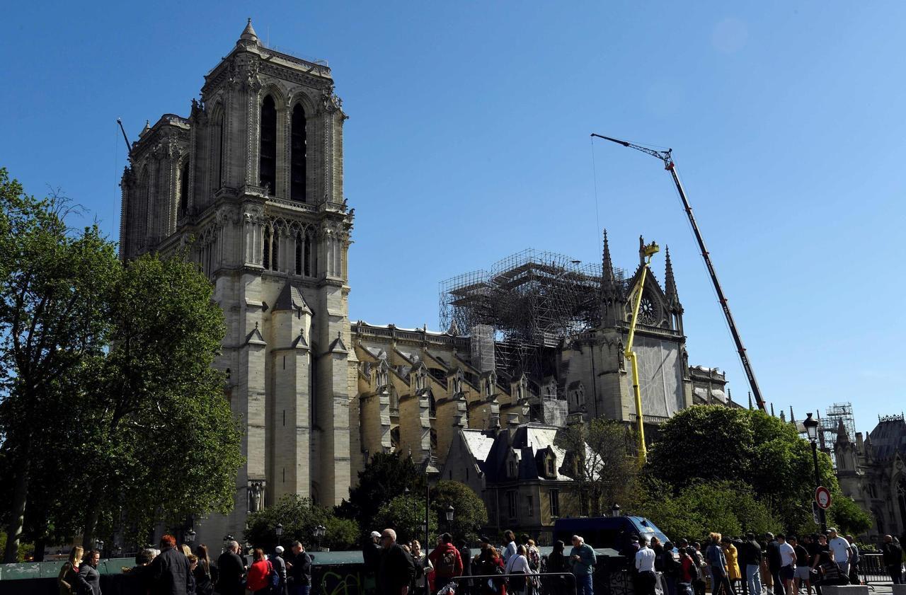 Reconstruction de Notre-Dame : un millier d'experts appellent Macron à éviter la «précipitation»