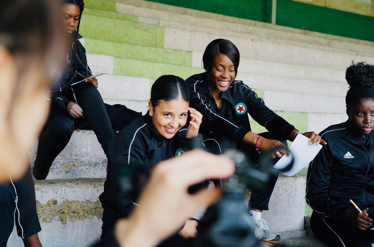 Saint-Ouen : les joueuses du Red Star dribblent le sexisme face caméra
