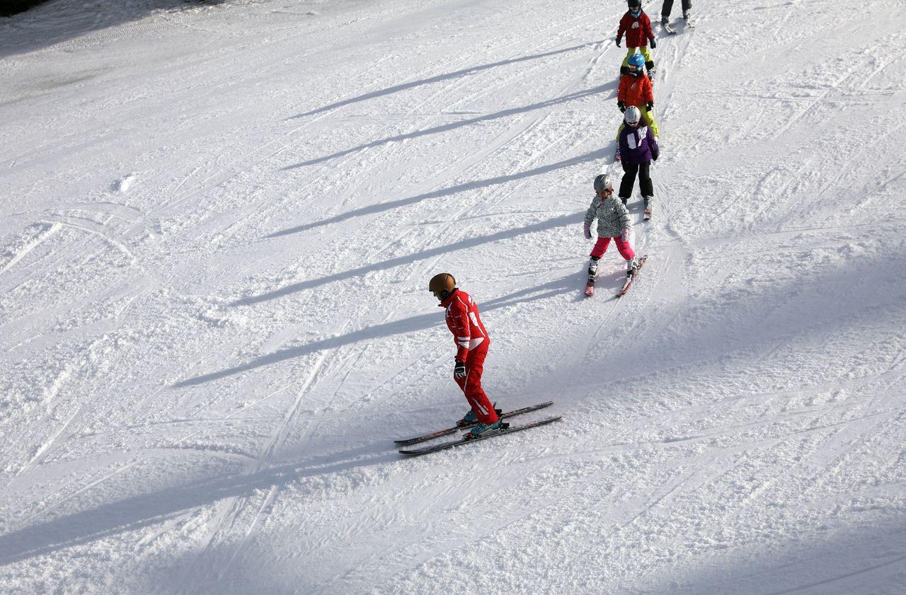 Jura : une jeune skieuse meurt en percutant un rocher